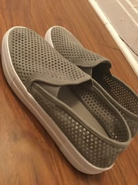 Steve Madden loafers, gray. Lachine, H8S 1N8
