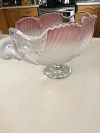 CRYSTAL FRUIT PLATE.  EXCELLENT CONDITION. Toronto, M1S 2B2