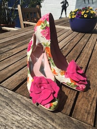 Blumenpumps von Sultana Design by Colli Wegberg, 41844