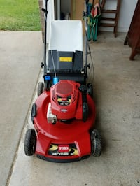 Like new Toro self propel lawn mower Bentonville, 72712