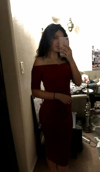 Red over the shoulders under the knee bodycon dres Riverside, 92501