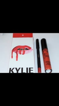 Kylie lipstick with lip liner in the Box