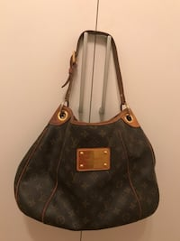 Brun louis vuitton monogram canvas bucket bag