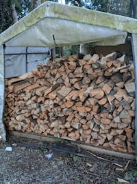 firewood split and seasoned. delivery/ pick up Langley Township, V3A