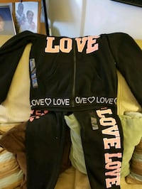 Sze large sweatsuit for ladies new only $15 South Bend, 46619