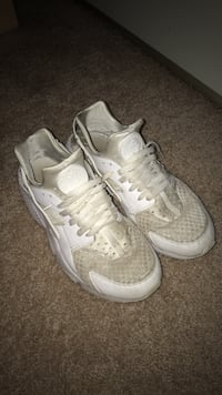 Nike Huarache Size 10 w/ box Chantilly, 20151