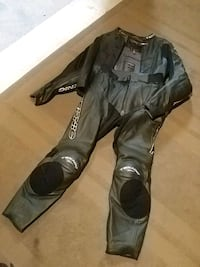 Motorcycle leathers Milton, L9T 0W5
