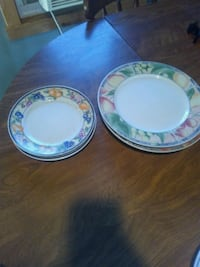 3 large plates and 2 small Orrstown, 17244