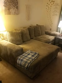 Apartment Sale. Furniture no smells or Smoking, Very Clean: Sectional, Fairfax, 22031