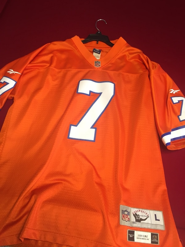 cheaper 87fed 7a6f7 Throwback stitched Denver Bronco's John Elway jersey. Size large. Excellent  condition