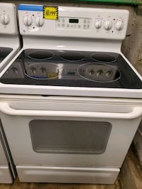 GE glass top electric stove working perfectly