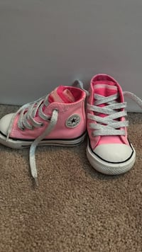 Size 4 toddler converse with multi color tongue  Winter Garden, 34787