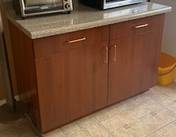 Kitchen Cabinet with Counter