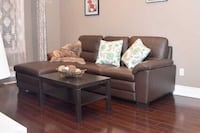 brown fabric sectional sofa with throw pillows 列治文山, L4C 9S5