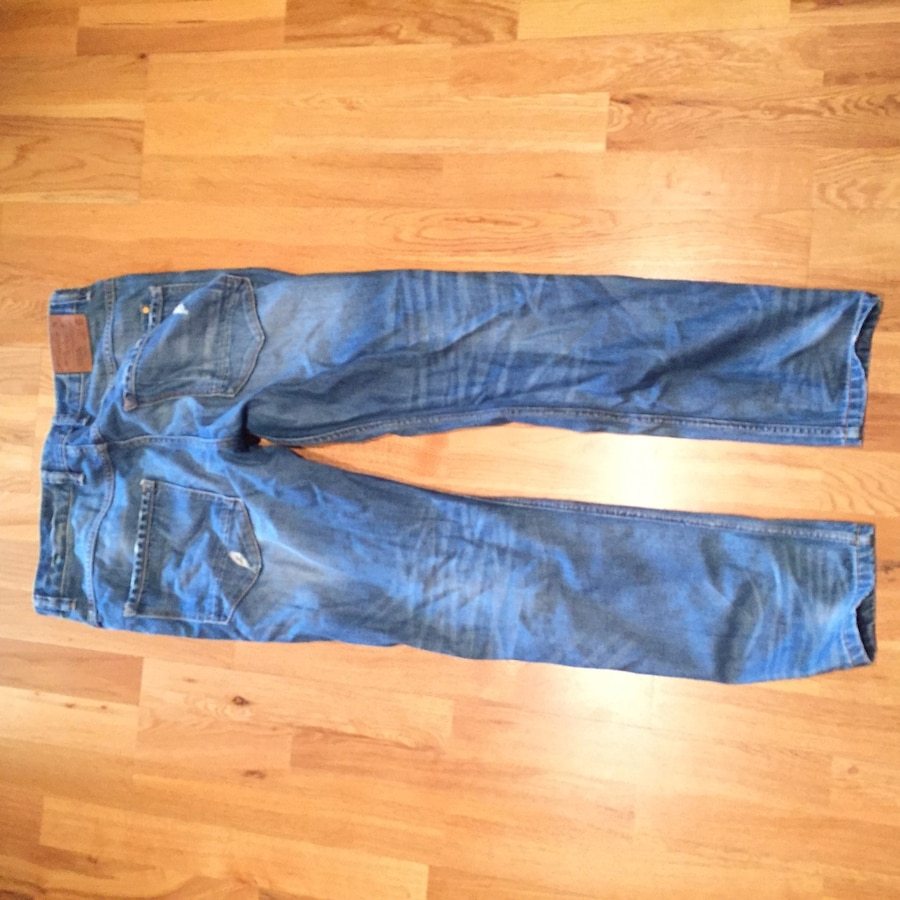 Ripped jeans str 33 (herre)