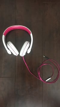 Pink and white corded headphones Temecula, 92591
