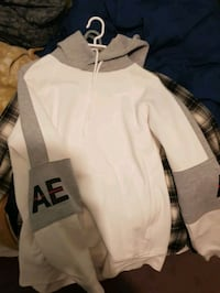 Almost new condition american eagle hoodie Calgary, T3J 0C9