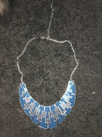 blue and white pendant necklace Frederick, 21703
