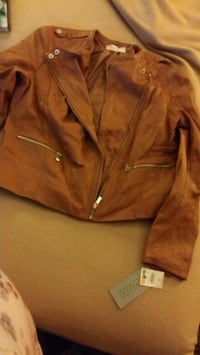 Brand new..Women's real leather coat Knoxville, 37914