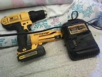 Dewalt drill w quivk drive 2000 and battery charge