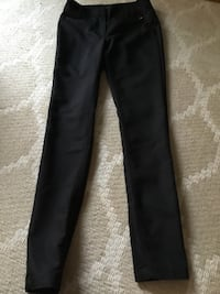size 6 black skinny jeans by H& M Fremont, 94536