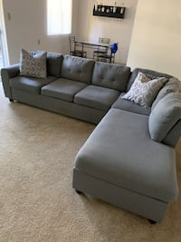 Grey sectional Couch Hayward, 94544