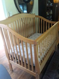 baby's brown wooden crib The Plains, 20198