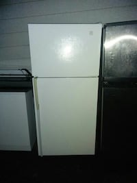 white top-mount refrigerator Surrey, V3R 3B8