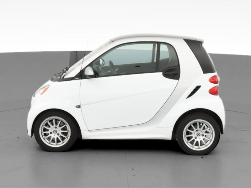 2013 smart fortwo coupe Pure Hatchback Coupe 2D White  f982420a-52dc-42b2-b74e-f187936bf24e