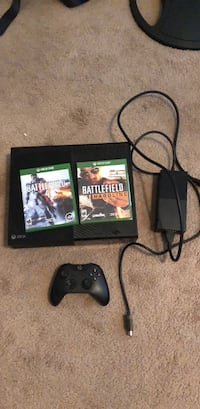 Xbox one with 2 games and controller San Antonio, 78217