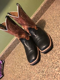 pair of brown leather cowboy boots Houston, 77048