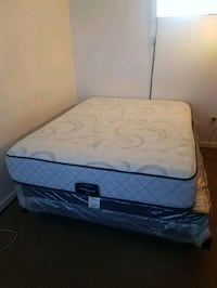 Queen size bed new with box spring and bed frame Laurel, 20708