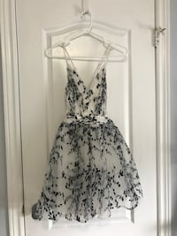 Never worn- Semi Formal Dress Toronto, M3N