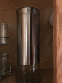 Stainless Steel tall glass container like new excellent condition  Monroeville, 15146