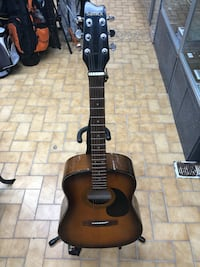 black and brown acoustic guitar Longueuil, J4H 3R6