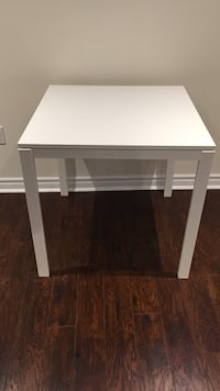 White ikea table Vaughan, L4H 2A9