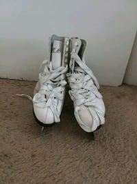USED ICE SKATING SHOES SIZE 8 District Heights, 20747
