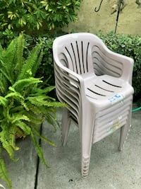 Resin chairs excellent condition Whittier, 90601