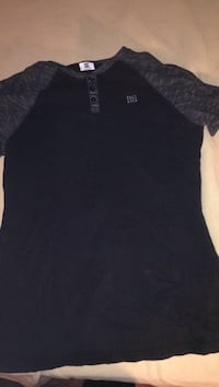 black and gray DC raglandshirt Windsor, N8W