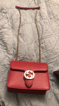 Small Gucci authentic cross bag very good condition used one time