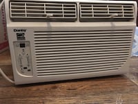Air conditioner with side shutters, 6000BTU works perfectly Newark, 07107