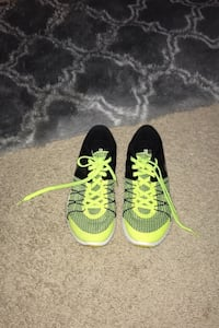 Nike training size 8.5 green Aiea, 96701