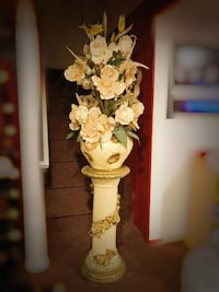 Artificially Flowers In Vase Home Decor with pillar stand base  New Hyde Park, 11040