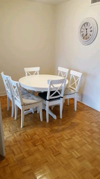 Six white dining chairs with chair cushion Montreal, H3H 1V2
