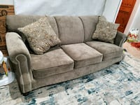 Couch and love seat Hillcrest Heights, 20746