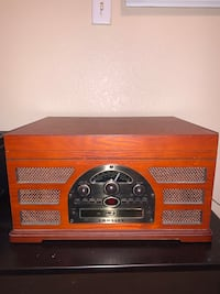 Record player with radio