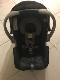 Graco car seat with 2 bases