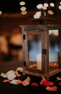 10 wooden lanterns with LED Candles