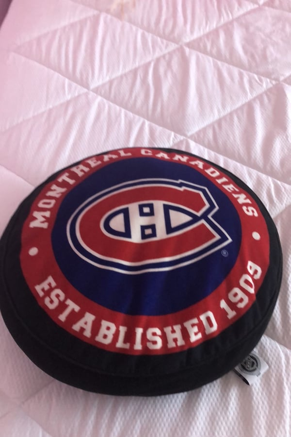 Pillow montreal canadians  2
