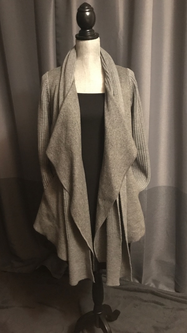 Ladies open cardi by cassis
